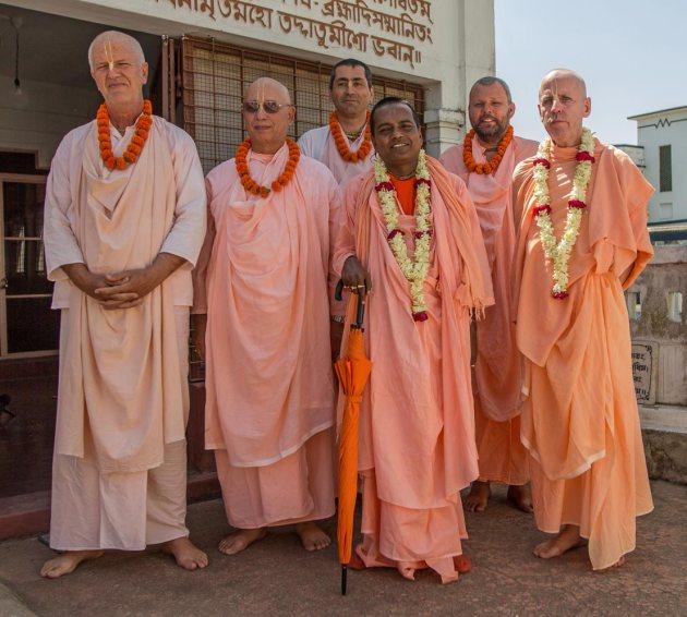 Srila Bhakti Kusum Ashram Maharaj, Srila Bhakti Pavan Janardan Maharaj, Srila Bhakti Vijay Trivikram Maharaj, Srila Bhakti Nirmal Acharya Maharaj, Srila Bhakti Bimal Avadhut Maharaj and Srila Bhakti Sudhir Goswami Maharaj.